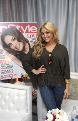 1.14.11 - InStyle Beauty Lounge