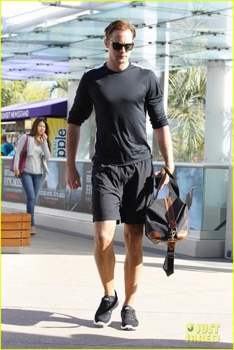 Alexander Skarsgard: Gym Guy!