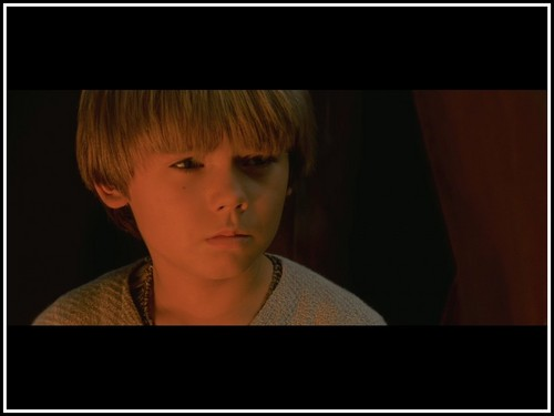 Anakin Skywalker achtergrond possibly containing a portrait titled Anakin during Qui-Gon's funeral.