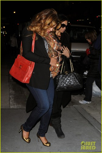 Beyonce: Still Pregnant in New York City!