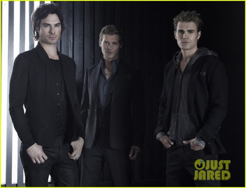 Ian Somerhalder: New 'Vampire Diaries' Photos!
