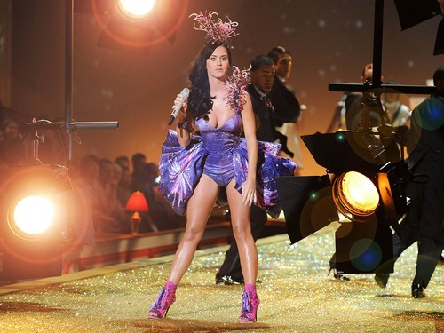Katy Perry پیپر وال possibly containing a concert, a drummer, and a جھانجھ titled Katy
