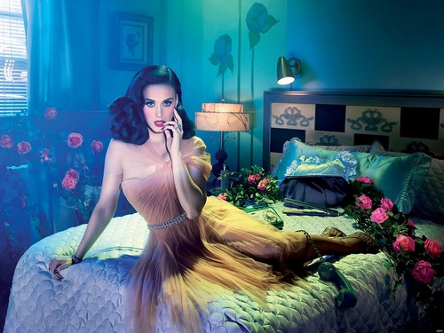 Katy Perry kertas dinding possibly with a makan malam, majlis makan malam dress, a bridesmaid, and a bouquet entitled Katy
