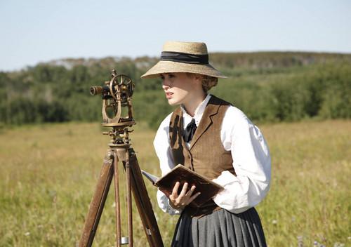 Lily campana, bell (Dominique McElligott) in Episode 9
