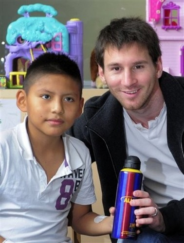 Lionel Messi Gives Presents to Children in Hospital (5 January 2012)