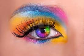 MuLtIcOlOuReD eye