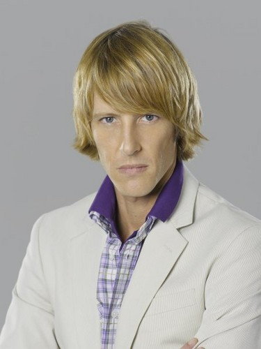 Revenge wallpaper called New Cast Promotional Photos - Gabriel Mann