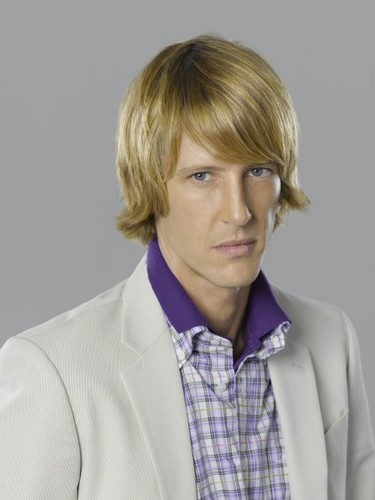 Revenge wallpaper titled New Cast Promotional Photos - Gabriel Mann