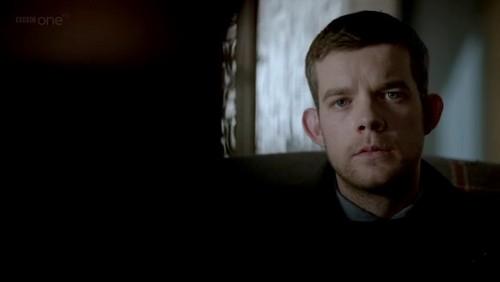 Sherlock in der BBC Hintergrund titled Sherlock S02E02 The Hounds of Baskerville