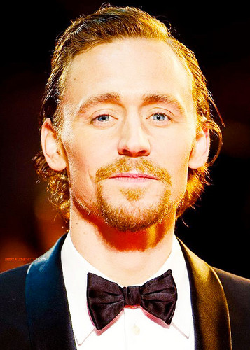 Tom Hiddleston - War Horse UK Premiere - tom-hiddleston Photo