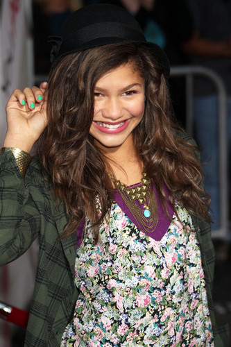 Zendaya is pretty for Bella
