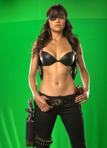 Michelle Rodriguez wallpaper entitled 'Machete' Production Photos
