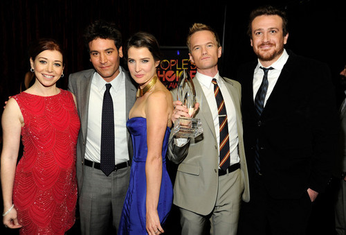 2012 People's Choice Awards - Backstage And Audience (January 11)