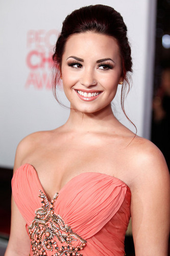 Demi Lovato wallpaper probably containing a cena dress, a cocktail dress, and attractiveness entitled 2012 People's Choice Awards