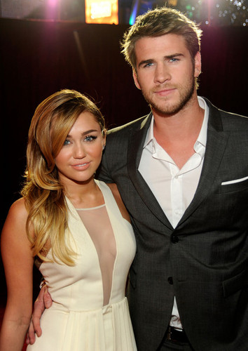 2012 People's Choice Awards - miley-cyrus Photo