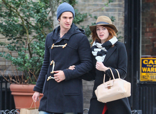 Andrew Garfield and Emma Stone karatasi la kupamba ukuta possibly with a business suit, a well dressed person, and an outerwear entitled A&E - Kissing