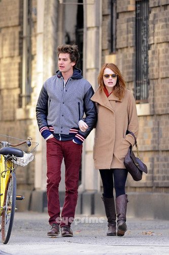 Andrew Garfield and Emma Stone wallpaper containing a business suit called A&E in NY