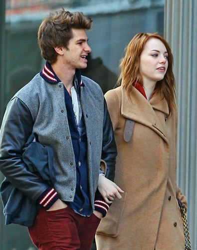 Andrew Garfield and Emma Stone پیپر وال possibly with a business suit entitled A&E in NY