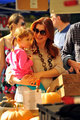 Alyson and her family - alyson-hannigan photo