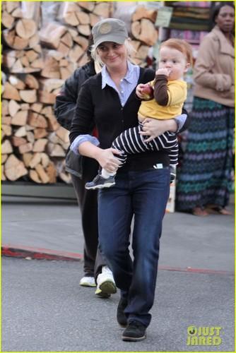 Amy Poehler & Abel Smile After Shopping