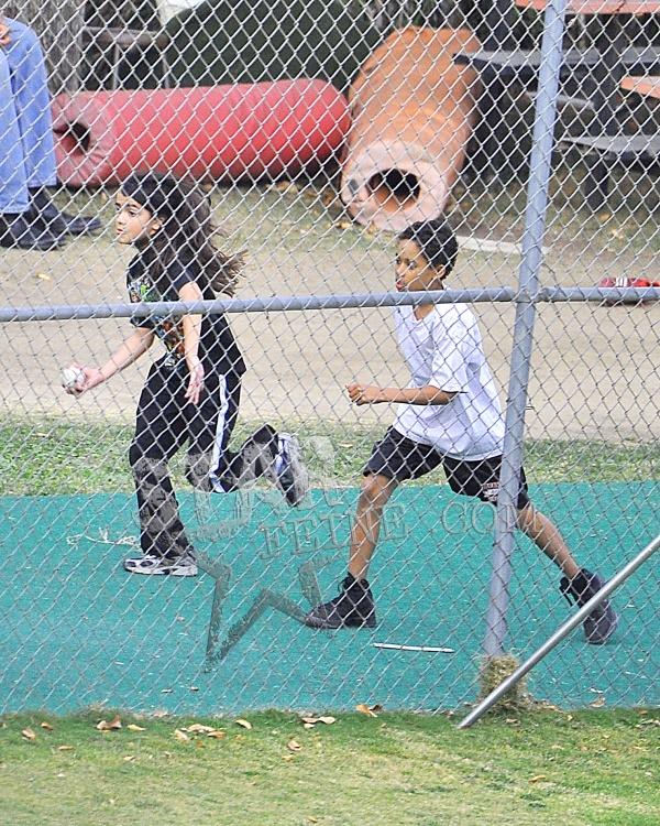Blanket Jackson and Michael running 2012