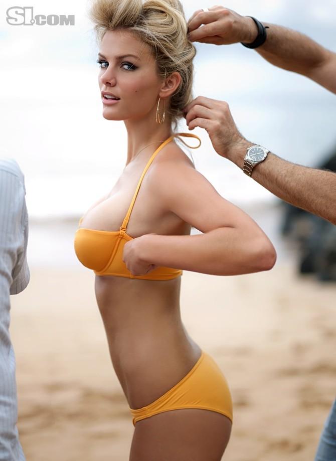 brooklyn decker   bikinis photo 28272919   fanpop