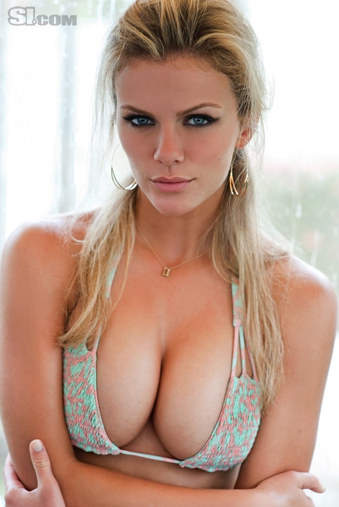 Brooklyn Decker - Bikinis Photo (28273053) - Fanpop