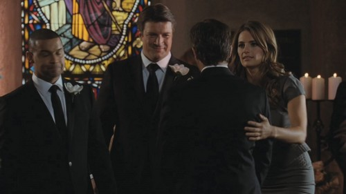 Caskett kertas dinding containing a business suit called Caskett 4x11 - Till Death Do Us Part