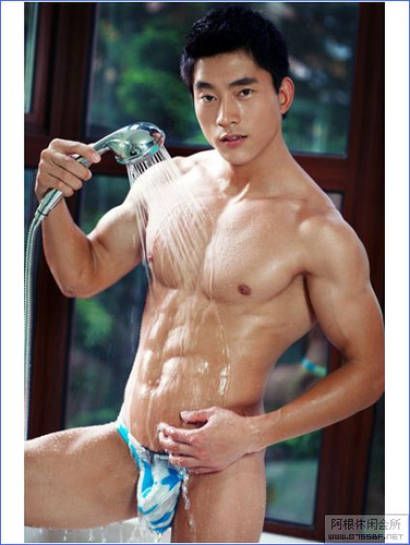 Hot Guys wallpaper containing a hunk and skin entitled Chinese hunk