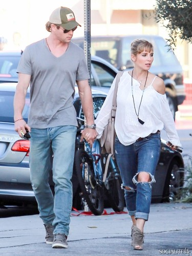 Chris Hemsworth And Elsa Pataky Spotted At French Cafe In Hollywood - chris-hemsworth Photo