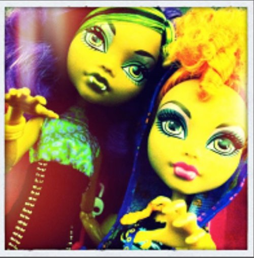 Clawdeen and Howleen