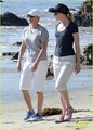 Ellen DeGeneres & Portia de Rossi Walk on the Beach - ellen-degeneres photo