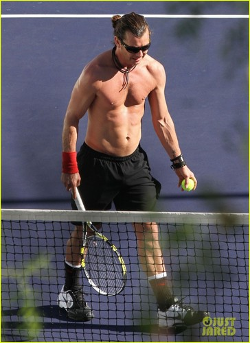 Gavin Rossdale: Shirtless tenis Player!