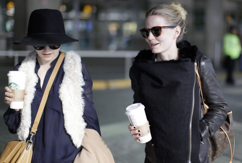 Jan 12, 2012 | At the Vancouver Airport with Ginnifer Goodwin