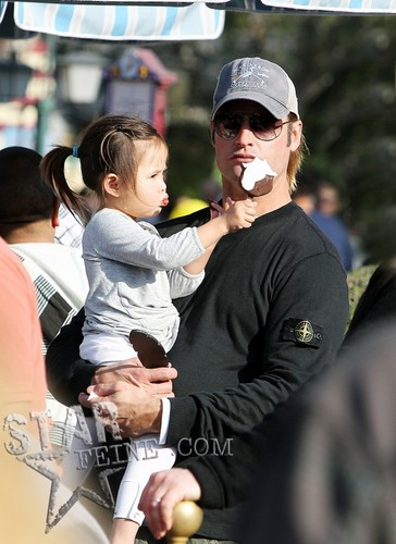 Josh Has A Family ngày At Disneyland - January 11