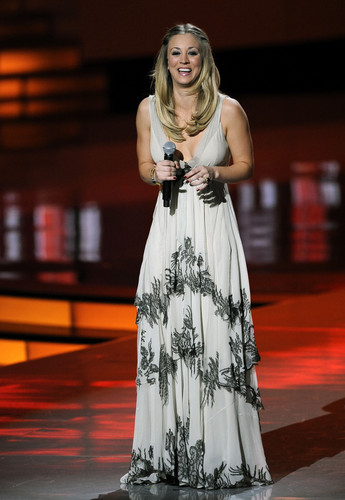 Kaley Cuoco - 2012 People's Choice Awards