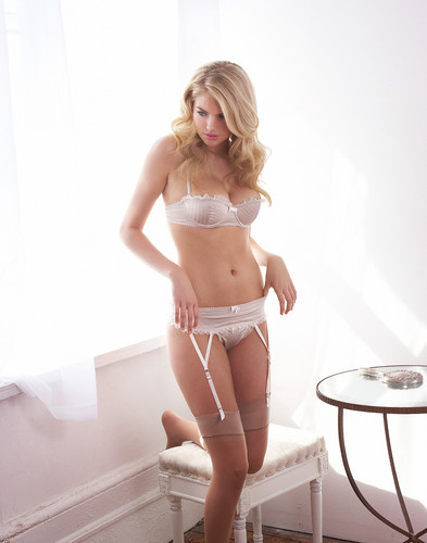 Kate Upton - lingerie Photo