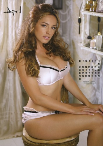 Kelly Brook calendar 2012