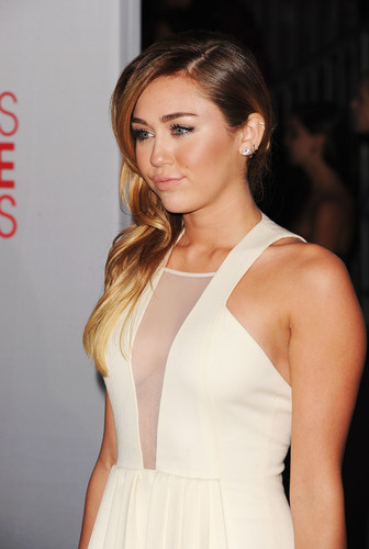 Miley Cyrus images Miley ♥ HD wallpaper and background photos