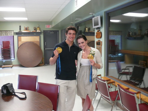 Tessa Virtue & Scott Moir wallpaper probably with a living room, a kitchen, and a drawing room called Moir_and_Virtue
