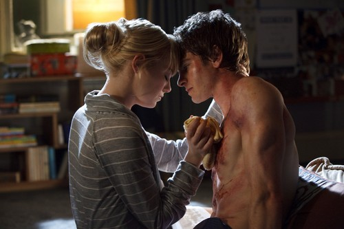 Andrew Garfield and Emma Stone achtergrond called The Amazing Spider-Man