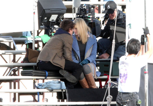 Andrew Гарфилд and Emma Stone Обои titled The Amazing Spider-Man set