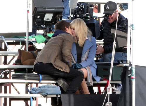 Andrew Garfield and Emma Stone Hintergrund possibly containing a business suit entitled The Amazing Spider-Man set
