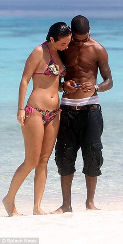 Tulisa and Fazer on a New 年 holiday in the Maldives
