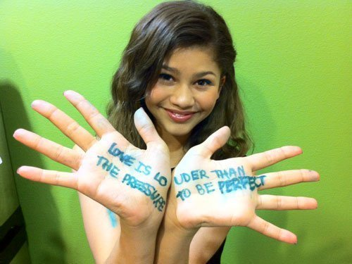 Zendayas message to Zanzoon from Sarah