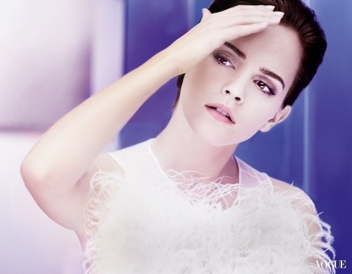 behind-the-scene picture of Emma Watson for the new Lancôme campaign blanc, blanco Expert