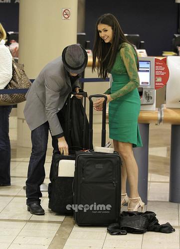 più Ian/Nina airport pics. ♥