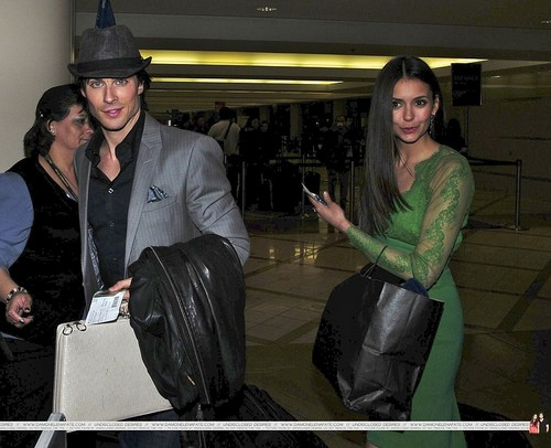 thêm Ian/Nina airport pics. ♥