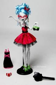 Monster High karatasi la kupamba ukuta called sweet 1600 ghoulia