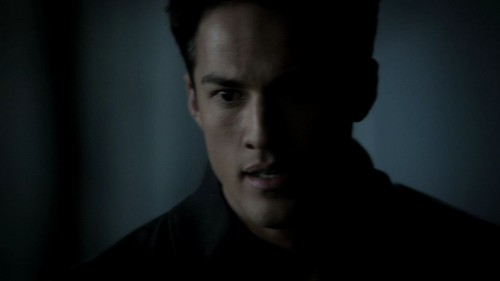3x11 - Our Town - tyler-and-caroline Screencap